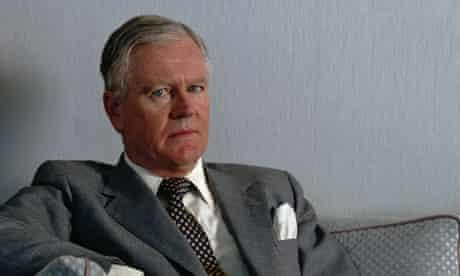 Win Bischoff to quit Lloyds