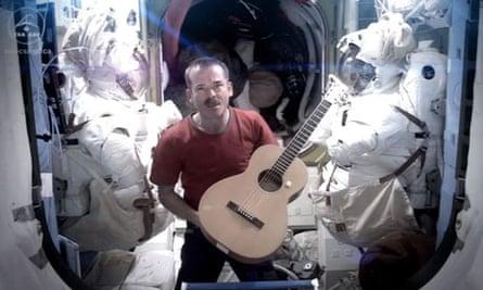 Commander Chris Hadfield covers Space Oddity