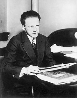 Readers': Portrait of Werner Heisenberg