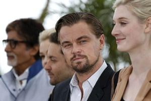 Gatsby photocall: Leonardo DiCaprio looks across at Elizabeth Debicki