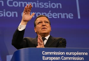 Commission President Jose Manuel Barroso speaks during a joint press conference with French President Francois Hollande.