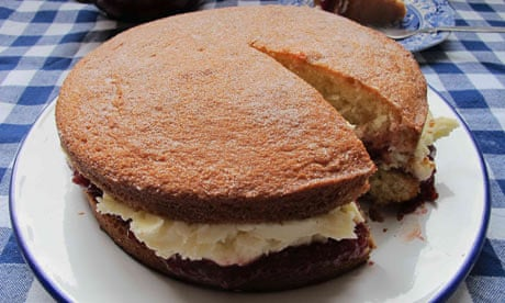 How To Make The Perfect Victoria Sponge Cake Food The Guardian