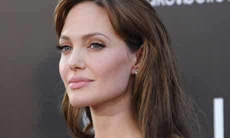 Angelina Jolie's doctor blogs intimate details of the actor's treatment
