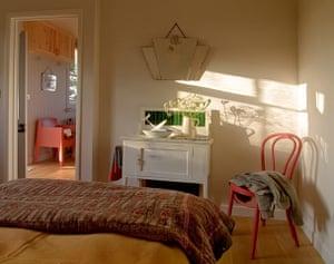 Cool cottages Pembroke: Tin bungalow, Martletwy