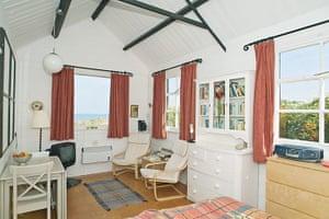 Cool cottages Pembroke: Cable Hut Room, Abermawr