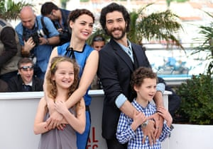 The Past: Berenice Bejo, Tahar Rahim and at the front Jeanne Jestin and Elyes Aguis