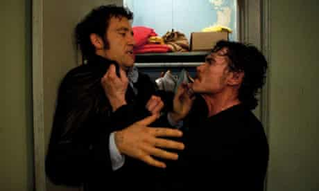 Clive Owen and Griffin Dunne in Blood Ties
