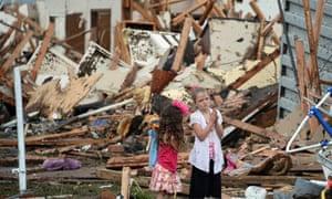 Tornado hits Moore, Oklahoma City