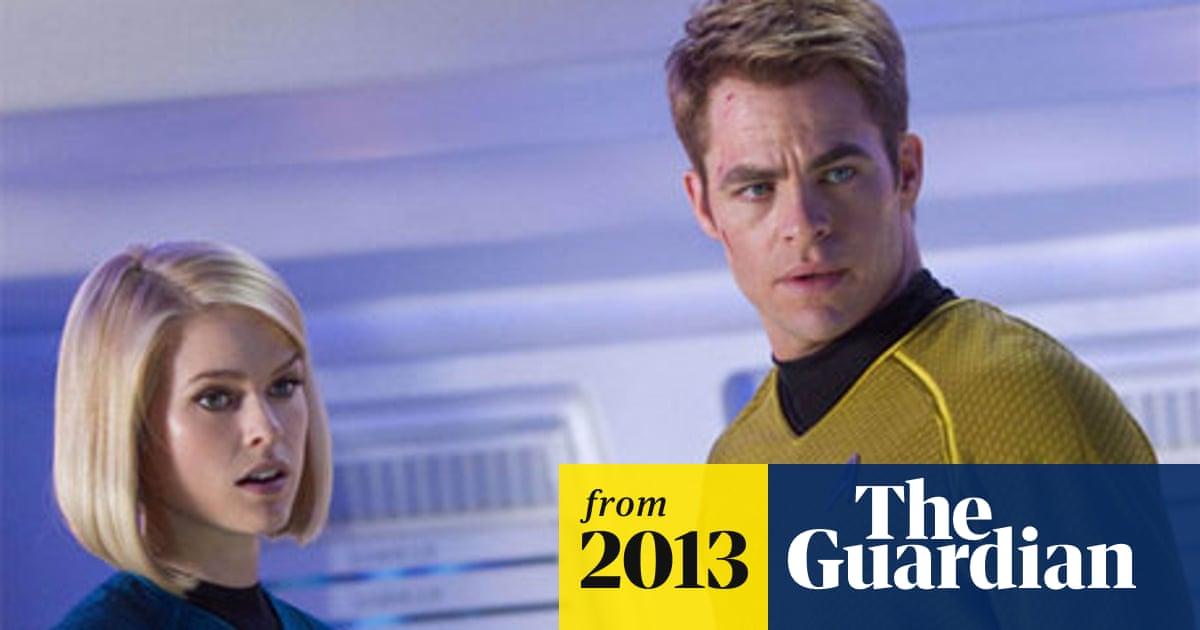 32562fb10584 Star Trek Into Darkness writer apologises for underwear scene | Film ...