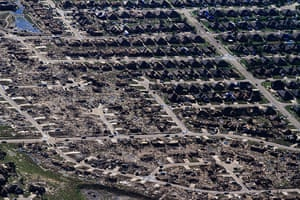 24 hours in pictures: Oklahoma, USA: An aerial view of destroyed houses and buildings in Moore af