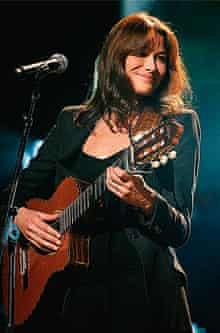 Carla Bruni guitar