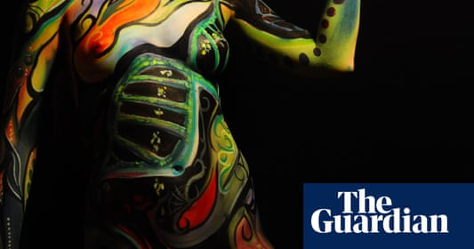 Victoria Gugenheim: Expressing science through bodypainting – in pictures