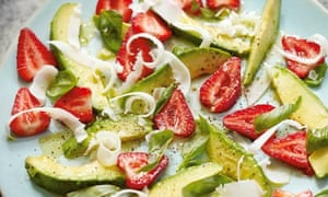 Hugh Fearnley-Whittingstall's strawberry & avocado salad