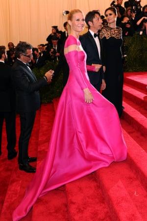 Gwyneth Paltrow does pretty in pink rather than punk!