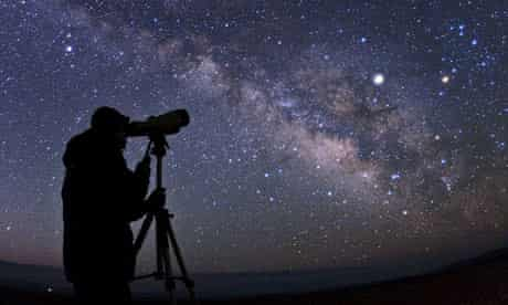 A binocular observer and the spectacular appearance of our Milky Way galaxy