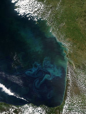 Satellite Eye on Earth: springtime phytoplankton bloom in Bay of Biscay