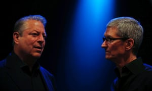 Former US vice president Al Gore and Apple chief executive Tim Cook converse before the Apple Worldwide Developers Conference (WWDC) 2013.