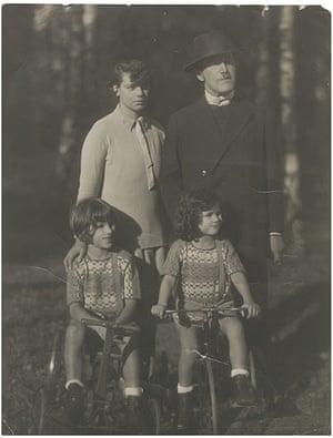 Judith Kerr: Kerr Family 1927