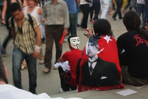 Turkey demonstrations: protestors resting gezi
