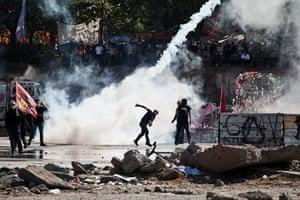 Turkey demonstrations: tear gas taksims square