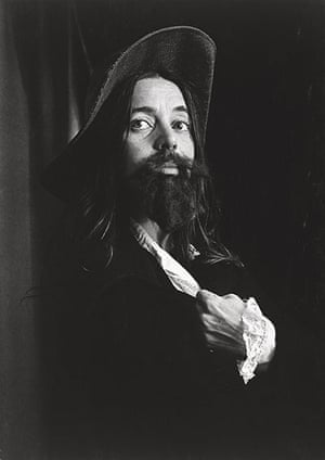 Photo Espana: Portrait of the King, 1972 by Eleanor Antin. Black-and-white photograph mou