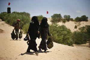 20 Photos: Female Palestinian militants before a training session in Rafah