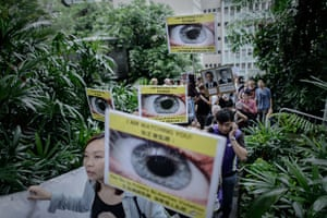 Hong Kong Rally: Protesters march to the US consulate in support of Edward Snowden