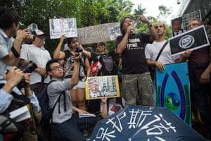 Hong Kong protest: Hong Kong march for Edward Snowden
