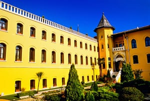 Prison Hotels: Four Seasons Hotel, Sultanahmet