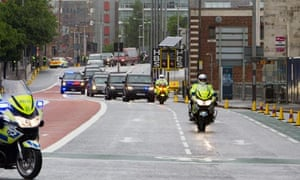 Barack Obama visit to Belfast leads to large crowds and security