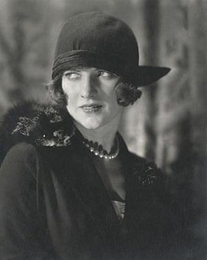 Conde nast : Edward Steichen, American Vogue, December 1923