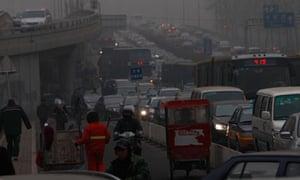 Heavy smog envelops Beijing