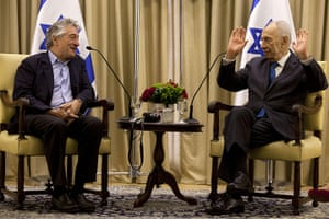 Peres's party: Robert De Niro