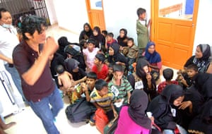 Rohingya refugees: Thai police rescued trafficked Rohingya refugees from Myanmar