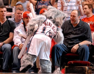 James Gandolfini Dies: James Gandolfini at the Toronto Raptors Vs NJ Nets