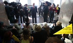 Independent member for Kennedy Bob Katter addresses anti CSG demonstrators. The Global Mail.