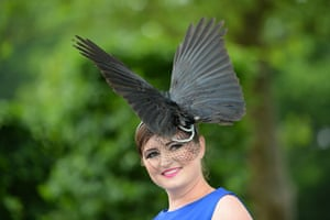 Ladies day at Ascot: Woman in a bird hat