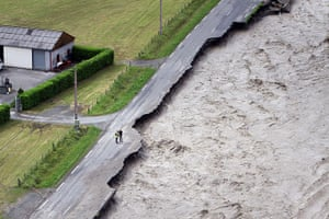 20 Photos: The flooded Lanne river in Villelongue, France