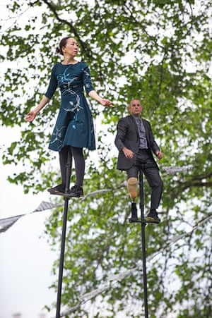Limbless Knight: Cast members on aerial and sway poles