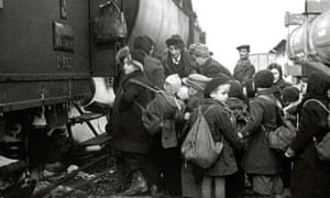 Jewish community mark 75th anniversary of Kindertransport