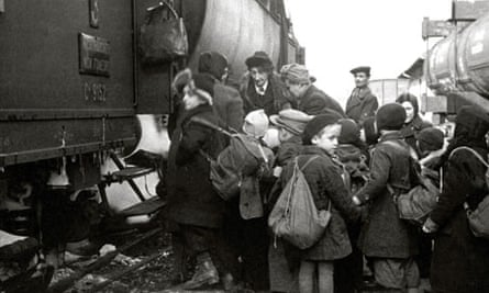 Jewish community mark 75th anniversary of Kindertransport