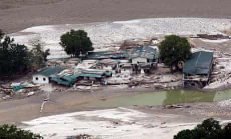 India's death toll aftermath torrential rains reaches 1,000
