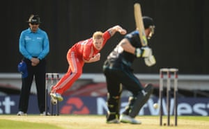 England's Ben Stokes bowls to New Zealand's Brendon McCullum (right) as umpire Richard Illingworth looks on during the first T20 international cricket match at the Oval cricket ground, London.