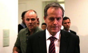 Bill Shorten announces he is switching to Rudd. The Global Mail.