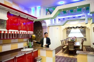 Kabul's new rich: In the kitchen