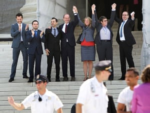 Gay marriage : Prop 8, celebrate with supporters on the steps of the Supreme Court