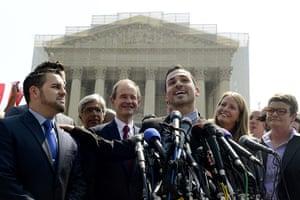 Gay marriage : Plaintiff Paul Katami (C) delivers remarks beside plaintiff Jeffrey Zarrill