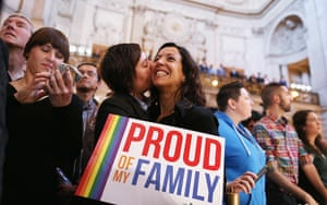 Gay marriage : A couple celebrates upon hearing the US Supreme Court's rulings on gay marr