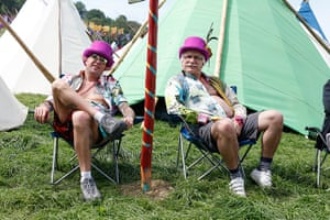 Glastonbury: Big ears and pink top hats
