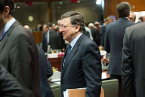 European Commission President  Jose Manuel Barroso arrives for a roundtable meeting at the EU headquarters on June 7, 2013 in Brussels, during European Union leaders summit.